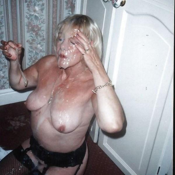 Chat sexe et plan cul bukkake pour une vieille mature
