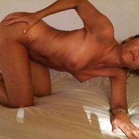 Laura mature de 43 ans à prendre en levrette